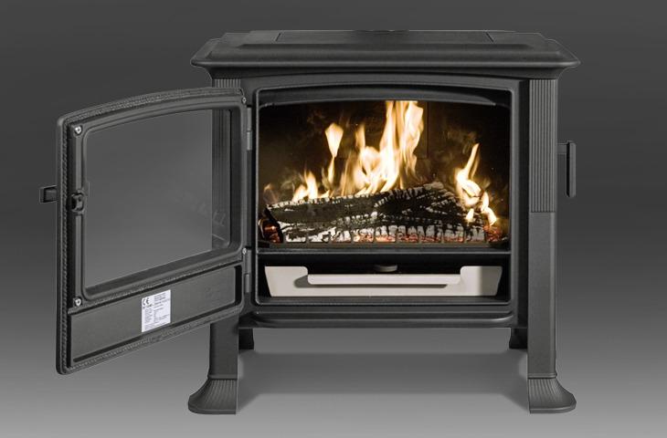 iron dog 04 litinov krbov kamna e. Black Bedroom Furniture Sets. Home Design Ideas