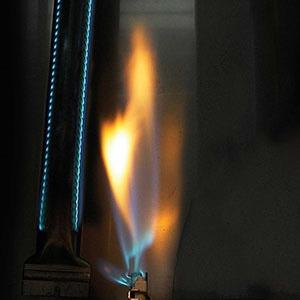 Vestavný plynový gril NAPOLEON BILEX605RBIPSS - detail zapalování JETFIRE