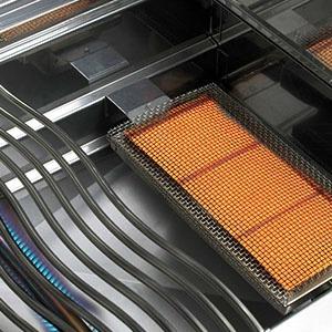 Vestavný plynový gril NAPOLEON BILEX605RBIPSS - detail Sizzle Zone infračervený hořák