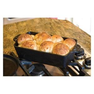 Litinový pekáč na chléb Camp Chef - klasická pečící forma pro širokou škálu pokrmů
