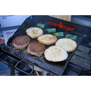Plynový vařič Camp Chef EXPLORER STOVE 30 MB - příplatková litinová plancha