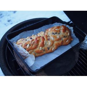 Obdélníkový odkapávací pekáček BGE - využití při pečení vánočky