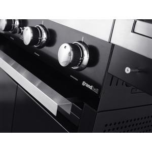 Plynový gril GrandHall PREMIUM G3 s bočním hořákem - detail ovládacích knoflíků a vysouvacího plechu pro zachycení nečistot