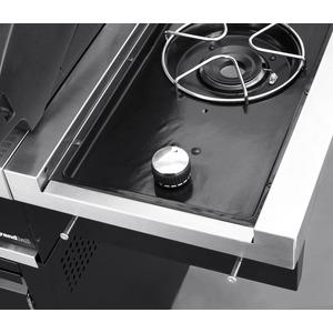 Plynový gril GrandHall PREMIUM G3 s bočním hořákem - detail bočního hořáku