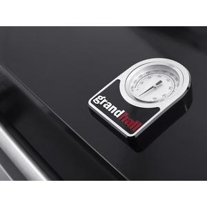 Plynový gril GrandHall PREMIUM G3 s bočním hořákem - detail teploměru ve víku
