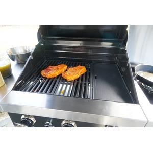 Plynový gril GrandHall PREMIUM GT3 s bočním hořákem - kvalitní a elegantní gril pro rodinné grilování