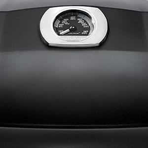 Cestovní přenosný plynový gril Napoleon TRAVEL TQ285BK - detail teploměru ve víku
