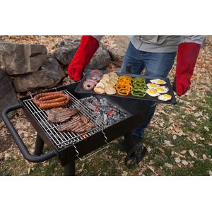 Gril na dřevěné uhlí Camp Chef WAGON - komfort přípravy pokrmů díky nastavitelnému roštu a desce